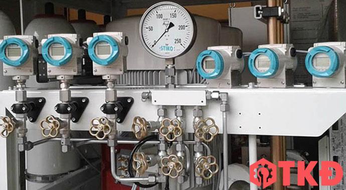 đồng hồ đo áp suất hơi nước nóng