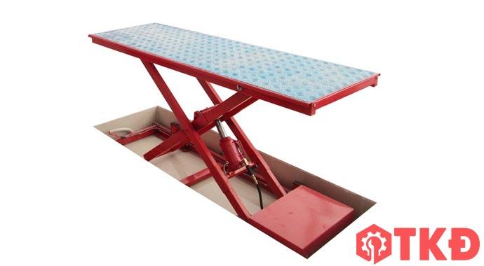 bàn nâng xe máy thủy lực